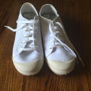 Keens white sneakers nwot